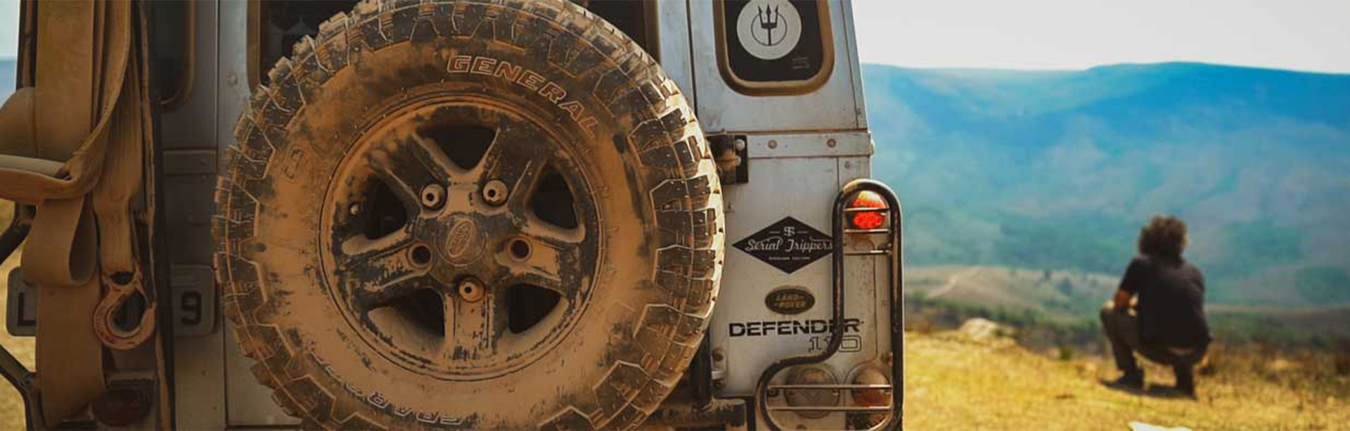Expedição General Tire - Ep4 - Caminho do Céu e Serra da Canastra - Veiculo parado com pneu sujo