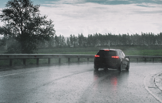 Lluvia: 5 consejos para conducir con seguridad